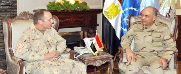 الفريق حجازى يلتقى قائد القوة متعددة الجنسيات المنتهية فترة ولايته