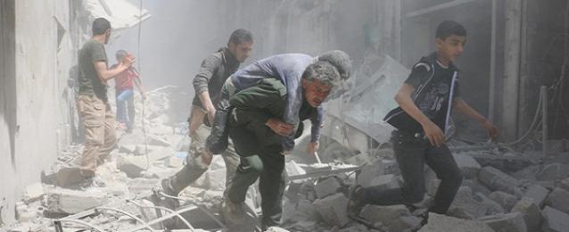 مقتل 34 شخصا في قصف واشتباكات بين النظام والمعارضة بسوريا