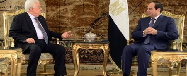 السيسي يؤكد لعباس رفض مصر لقرار الرئيس الأمريكي بشأن القدس وأية آثار مترتبة عليه