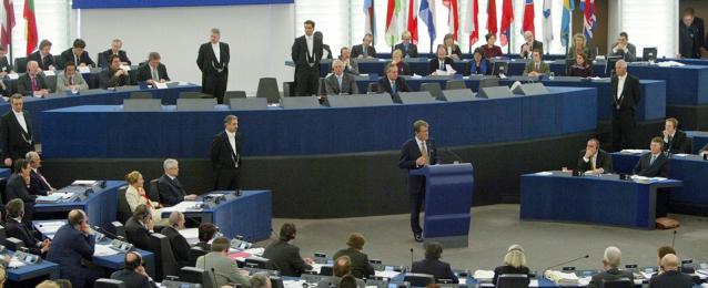 الضربة العسكرية ضد سوريا تخيم  اليوم على اجتماع وزراء خارجية أوروبا