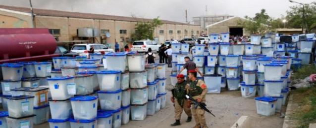 الصدر يحتفظ بصدارة الانتخابات العراقية بعد الفرز اليدوي للأصوات