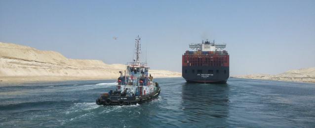 عبور 60 سفينة قناة السويس بحمولات 3.6 مليون طن