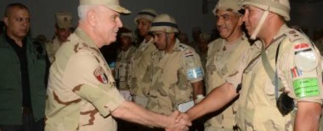 الفريق محمد فريد يشهد المشروع التكتيكى فجر 1 بالمنطقة المركزية العسكرية
