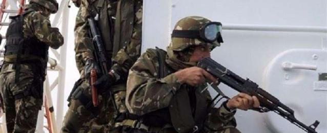 الدفاع الجزائرية: تدمير مخبأ للجماعات الإرهابية و6 قنابل تقليدية الصنع