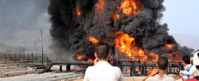اليمن: السيطرة على حريق اندلع في خزان للنفط في عدن