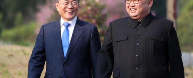 مون: زيارة كيم إلى الصين مؤشر على اقتراب عقد قمته الثانية مع ترامب