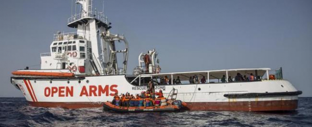 """إسبانيا مستعدة لاستضافة مهاجرين من """"الأذرع المفتوحة"""" ولكن بشروط"""