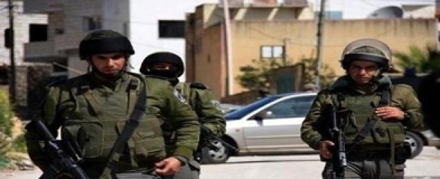 الاحتلال الإسرائيلي يصيب شابا فلسطينيا وزوجته بالرصاص في طولكرم