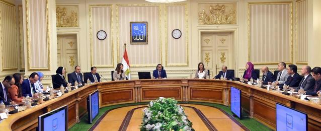 مدبولى: تنسيق بين الحكومة والمجتمع المدنى لتحقيق تنمية متكاملة بالقرى