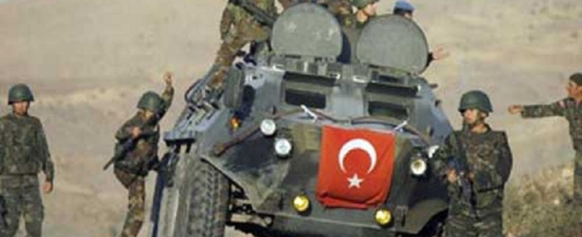 الجيش التركي يعزز تواجده العسكري على الحدود مع سوريا