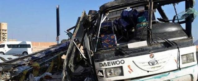 مصرع 9 وإصابة 20 في تصادم أتوبيس وسيارة نقل بالفيوم