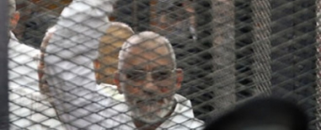 حبس بديع و 19 من قيادات الإخوان سنة مع الشغل بتهمة إهانة القضاء