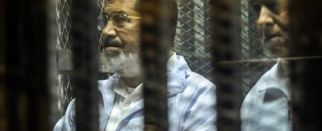 """تأجيل محاكمة مرسي و 130 آخرين في قضية """"وادي النطرون"""" إلى 8 مايو"""