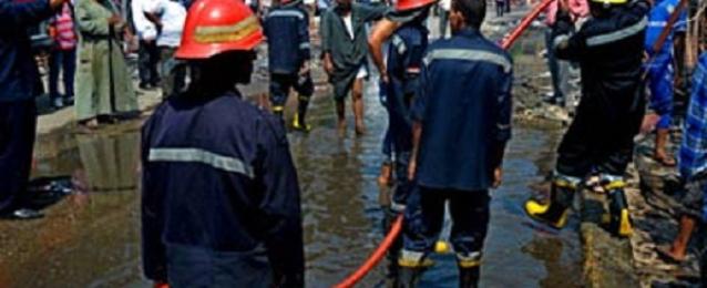إخماد حريق بمحل تجارى بالإسكندرية