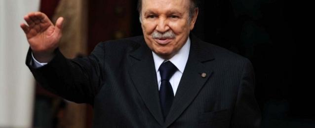 الرئيس الجزائري يتعهد بحماية حرية التعبير