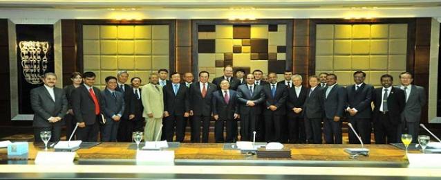 السيسي :دول آسيا تتمتع بتجارب رائدة في الإقتصاد والتنمية