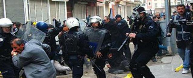 الشرطة التركية تعتقل العشرات في الجنوب الشرقي الكردي قبل الانتخابات