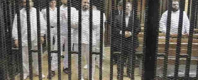 """بدء محاكمة مرسى و130 أخرين فى قضية """"سجن وادى النطرون"""""""