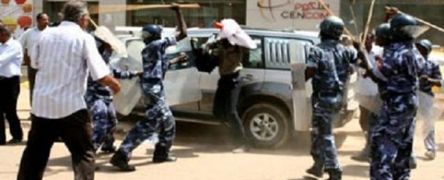 تجدد الاشتباكات الطلابية بجامعة الخرطوم وحرق عدد من مباني الجامعة
