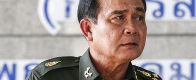 الجيش التايلندي يتعهد بإصلاحات.. وغموض حول مكان احتجاز رئيسة الوزراء.. والقمصان الحمر تهدد بالتصعيد