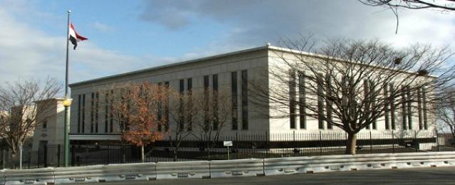 توافد الناخبين على السفارة المصرية بواشنطن للتصويت في الانتخابات الرئاسية