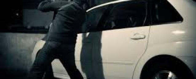 6 مجهولين يشهرون الأسلحة النارية بميدان لبنان ويستولون على 2 مليون من داخل سيارة