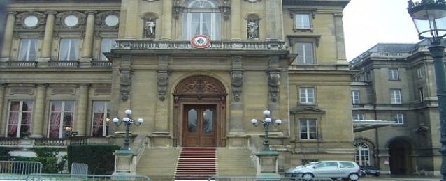 فرنسا تطالب رعاياها بالحد من التنقل يومي الانتخابات