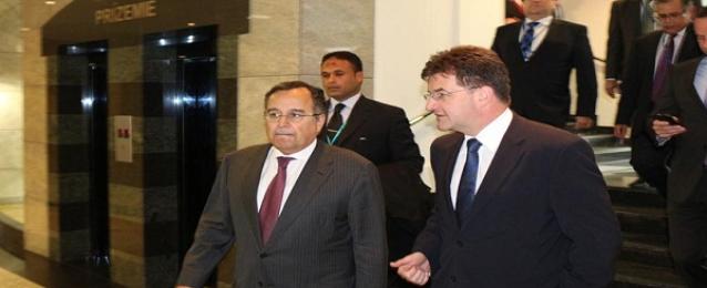 """فهمي يجتمع بوزراء خارجية تكتل """"فيشجراد"""" بالعاصمة السلوفاكية"""