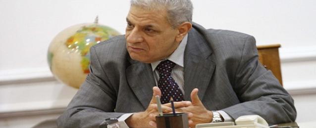 محلب يرحب بضخ المزيد من استثمارات فودافون بمصر