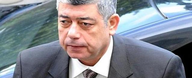 وزير الداخلية يزور رجال الشرطة المصابين في أحداث جامعة الأزهر.. ويوجه بتوفير أقصى درجات الرعاية