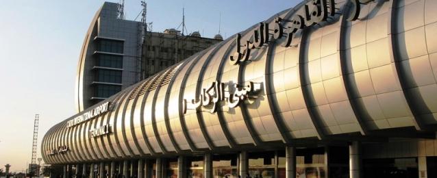 وصول 72 مصريا من العاملين فى ليبيا على طائرة ليبية