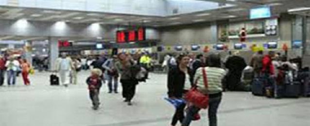 مطار مرسى علم يستقبل 4500 سائح على متن 33 طائرة