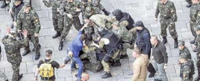 مقتل وإصابة 23 في لوجانسك في معارك مع الجيش الاوكراني