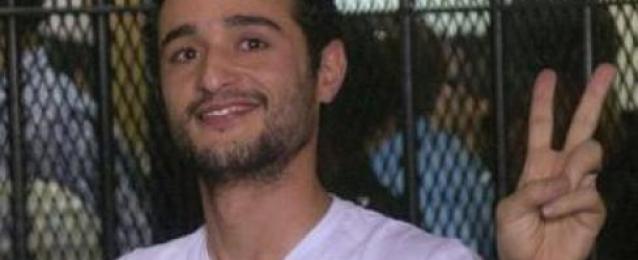 نقل الناشط احمد دومة للمستشفي لإجراء فحوصات طبية