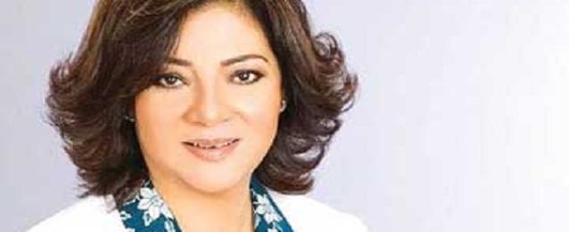 """وزيرة الإعلام تتفقد الاستديو """"التخيلي"""" استعداد لتغطية انتخابات الرئاسة"""