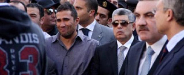 وزير الداخلية يتقدم الجنازة العسكرية لشهيد الامن المركزى بسيناء