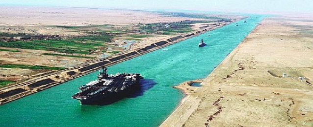 42 سفينة عبرت المجرى الملاحى لقناة السويس