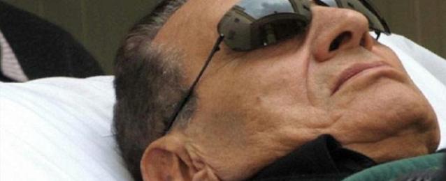 أنباء عن إصابة مبارك بكسر في الفخذ عقب سقوطه داخل غرفته