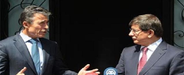 """أوغلو يدعو """"الناتو"""" للتعاون لمواجهة التهديدات من العراق وسوريا"""