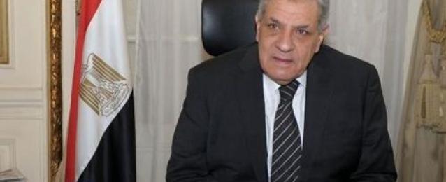 بوابة الأهرام : الحكومة الجديدة تؤدي اليمين أمام الرئيس غدا.. والوزارات بين ٢٦ و٣٠ حقيبة.