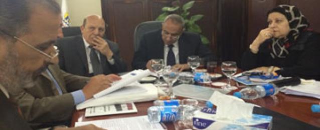 أبوحديد ولبيب يناقشان التصور النهائى لتعديلات قانون حماية الاراضى