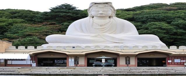الرياض :الخارجية تتابع قضية شاب سعودي حطم تماثيل «معبد» في طوكيو