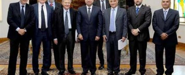 الرئيس السيسي يستقبل وفدا برلمانيا ايطاليا ويؤكد:سوء استغلال لبيئة الحريات بالدول الغربية يسمح بتلقي أفكار الجماعات الإرهابية وتدريبها عسكريًا