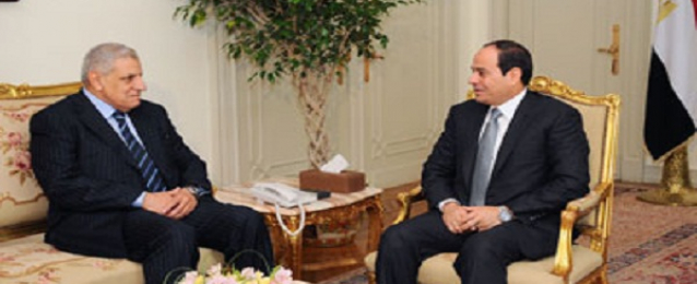 السيسي يقبل استقالة الحكومة ويكلف محلب بتشكيل الحكومة الجديدة