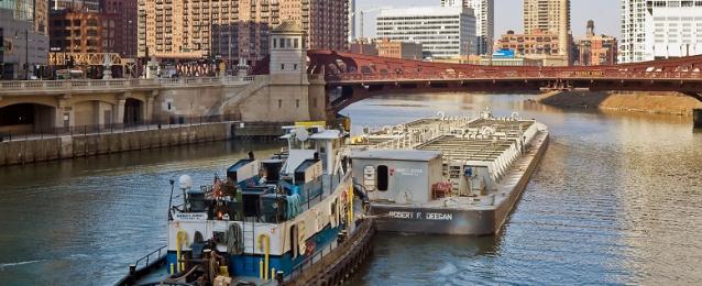 إخلاء سفينة تقل 154 راكبا بعد تسريب وقودها في نهر هولندا