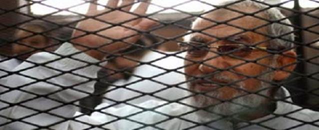"""تأجيل محاكمة بديع و50 آخرين في """"غرفة عمليات رابعة"""" لـ 8 يوليو"""