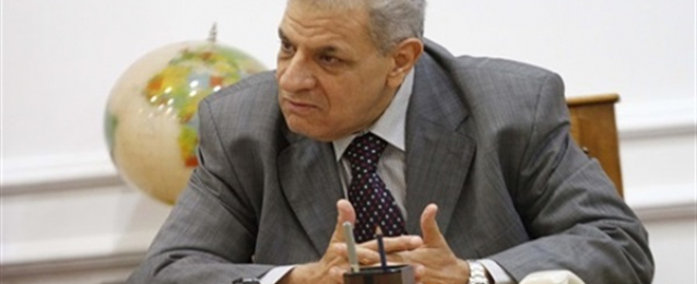 رئيس الوزراء يوافق علي بدء حصر العمالة العائدة من العراق