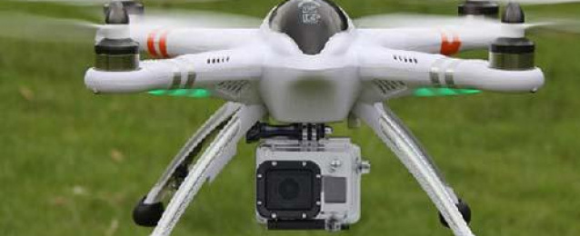 ضبط ١٠٠ طائرة تجسس بالريموت بمخازن شركة شهيرة بالمعادي
