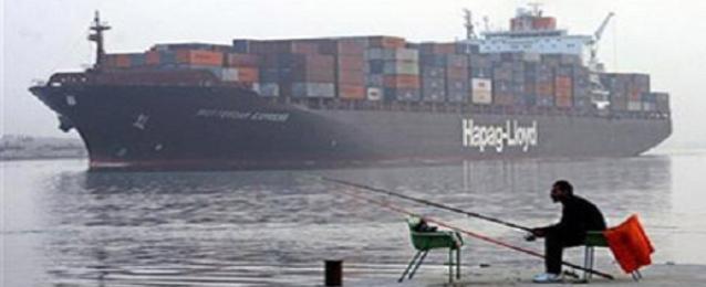 عبور 35 سفينة قناة السويس بحمولة مليون و940 ألف طن