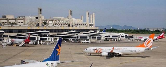 """عمال مطار """"ريو دى جانيرو"""" يضربون عن العمل قبيل ساعات من انطلاق المونديال"""